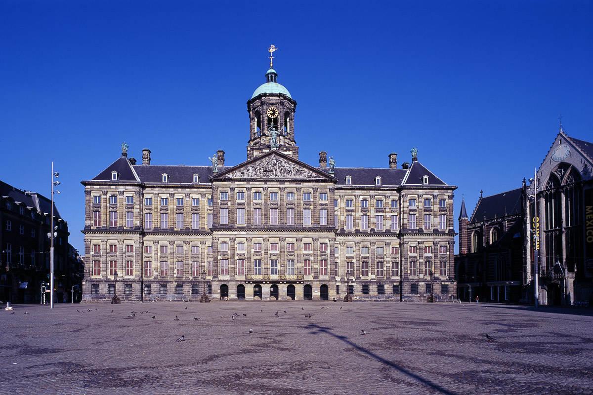 Koninklijk paleis amsterdam onderwerp het koninklijk huis - Het huis van de cabriolet ...