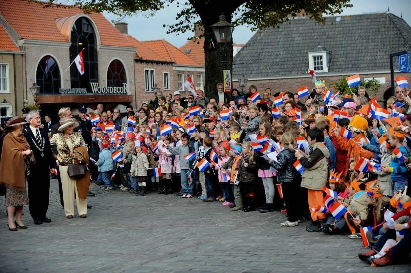 Koningin Beatrix brengt een streekbezoek aan West Zeeuws-Vlaanderen, oktober 2008