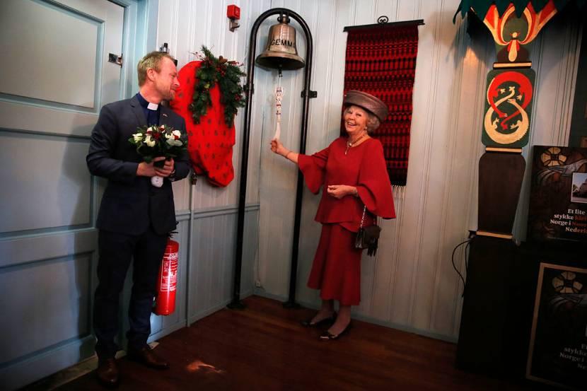 Prinses Beatrix Opent 90e Kerstmarkt In Noorse Kerk Rotterdam