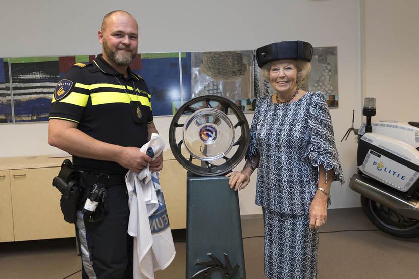 viering 50 jaar Prinses Beatrix bij viering 50 jaar Team Motorondersteuning  viering 50 jaar